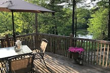 Laurentian Cottage Lakefront Oasis