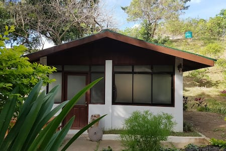 Taltarni Studio - Calatagan - Bed & Breakfast