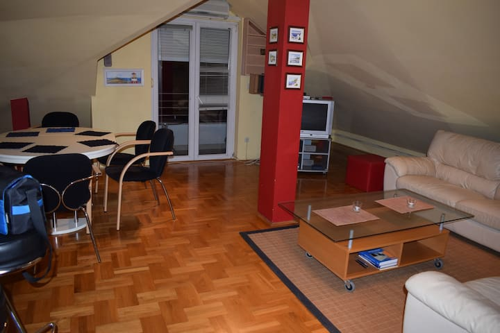 Cute and warm apartment in Zagreb city, suburban - Zagreb - Wohnung