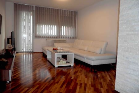 New and modernly furnished apartment DEA