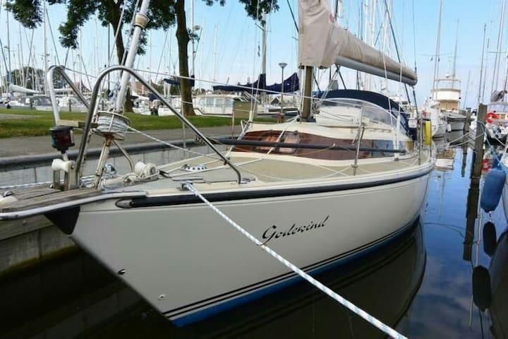 Romantic sail yacht 15 km Amsterdam - Monnickendam - Boat