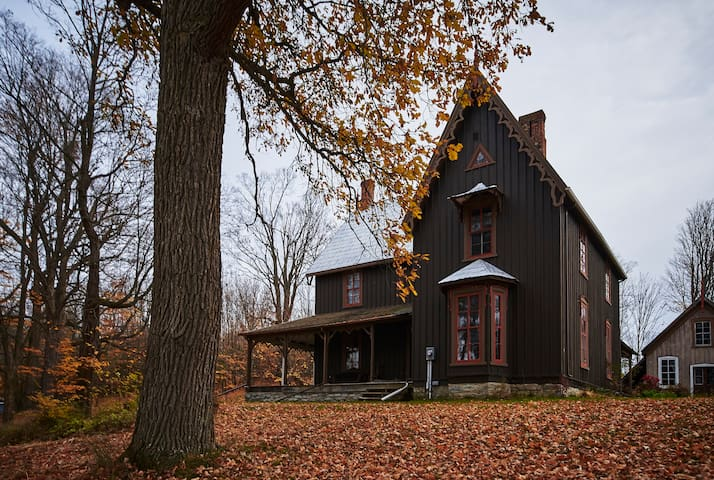 King suite in Ottawa Valley Victorian gothic home