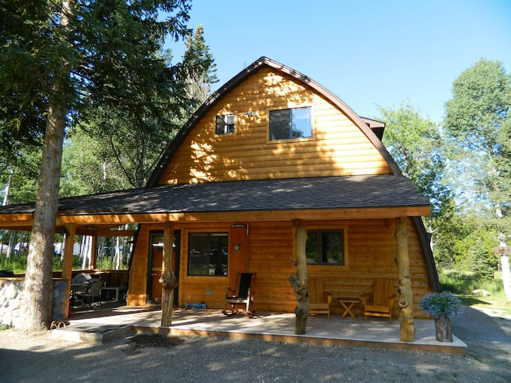 Wooded Bliss One-Great duplex! 7 miles from Yellowstone