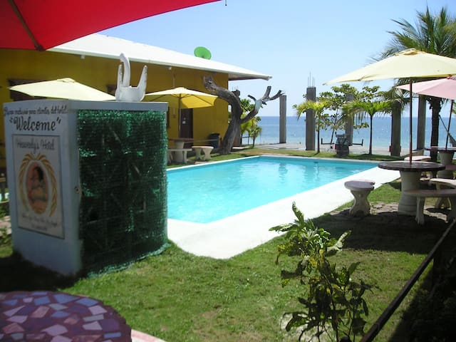 Heavenly's is on the Pacific Ocean - Puerto Armuelles - B&B