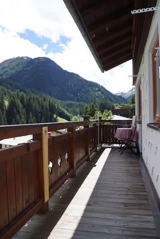 Sankt Anton am Arlberg Zuhause mit Aussicht