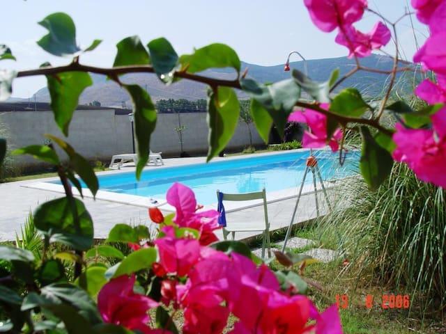 """Casa per le vacanze """"La Nicchia"""" - Trapani - House"""