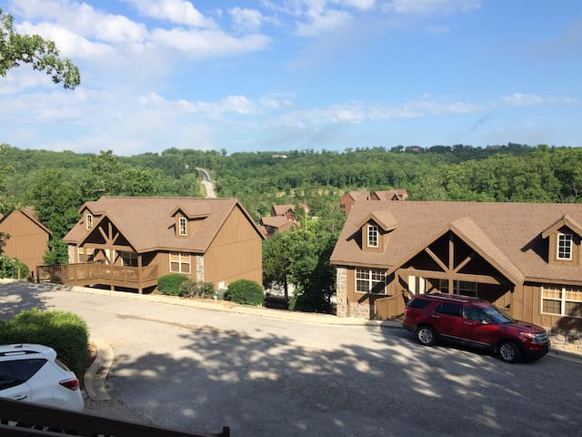 Special $99/Apr. Cabin close to SilverDollarCity - Reeds Spring , Branson West - Cabin