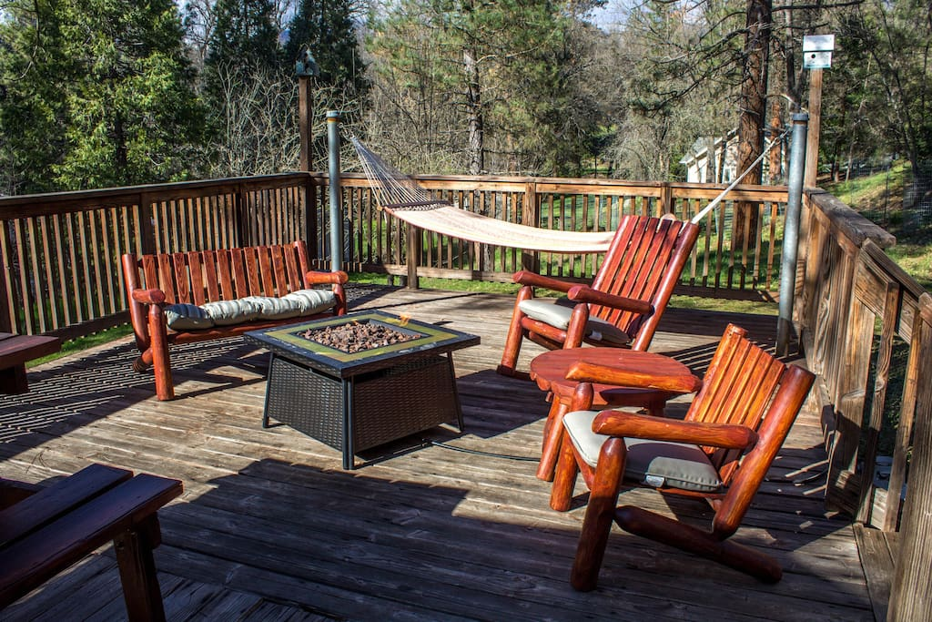 Hammock, deck furniture, and propane firepit (November-Mid May)
