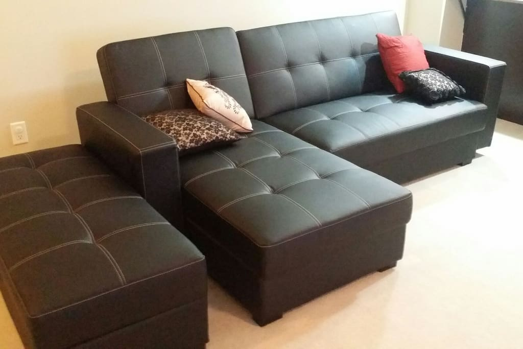 Leathet-rich sofa