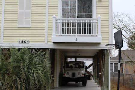 SPACIOUS DUPLEX WITH ALL AMENITIES - Carolina Beach - Ev