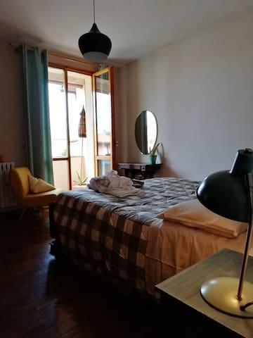 Bedroom Iris