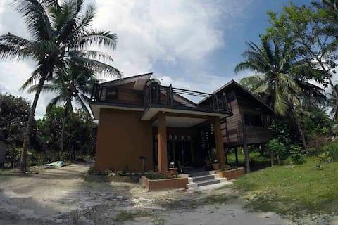 Borneo Alase House - Budget Private Room