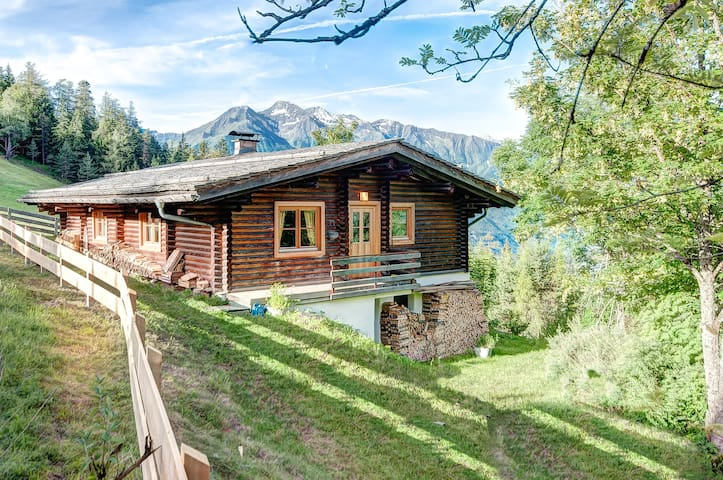 Romantic Chalet with fantastic view - Telfs - Alpstuga