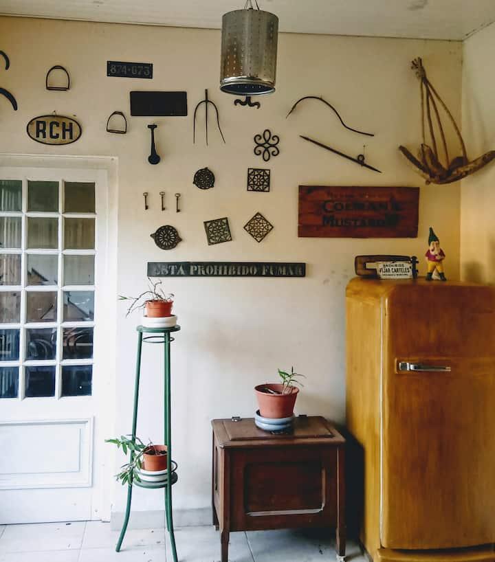 Habitación privada en casa con jardin