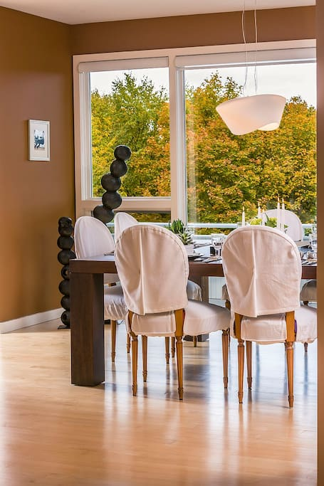 Dining Room with View over Hanover