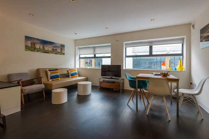 Bright luxury 1BD central London, spacious, quiet