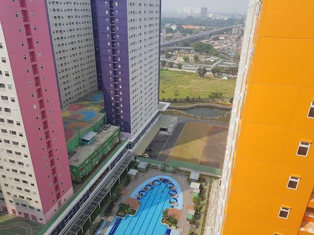 Green Pramuka Apartment direct access mall&cinema