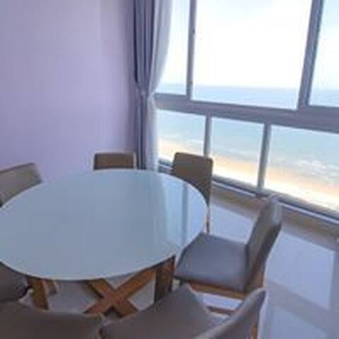 2 bedroom stunning seaview apartment