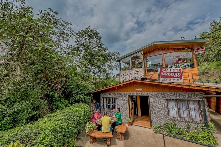 Hostel Cabinas El Pueblo Monteverde