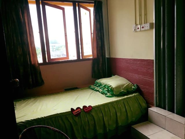 Single room with attached bathroom - Kota Bharu - Bed & Breakfast