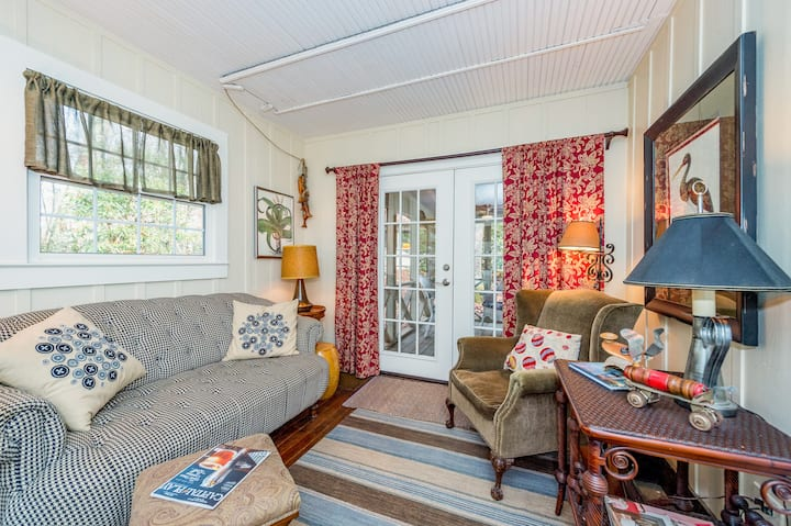 Updated Home with Screened Porch - Near Downtown