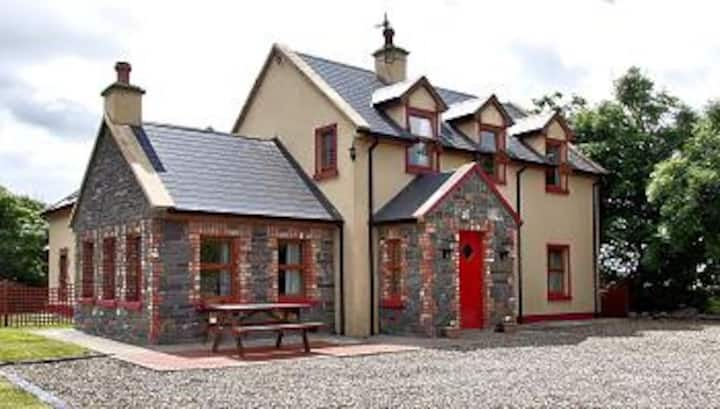 Doughmore Country House  has  4 double bedrooms