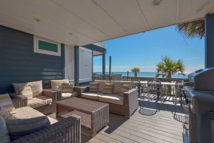 Beach Front for 8☀Klaus House #1☀Book 4 Spring Break! Gulf Front Deck & Balcony
