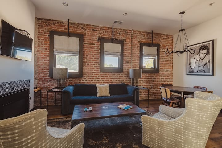 SLO Brew Lofts - 2 Bedroom 'The Vagabond Loft'