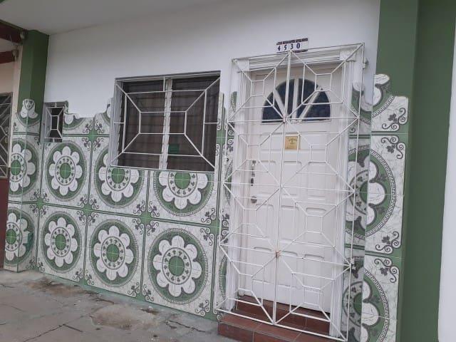 HOSTAL DOÑA RITA apartamento  completo