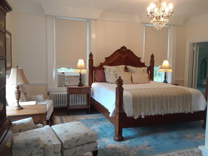 Historic Bush House Estate-Room #1