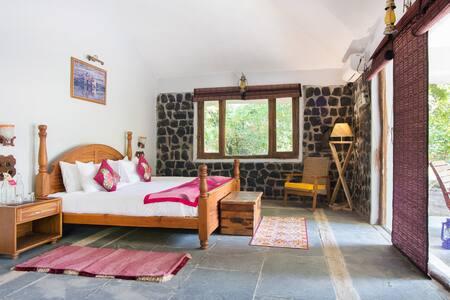 Villa (Rosa Bandhavgarh Meadows)