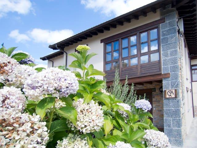 Casa de Aldea. Casa Larrionda 1 - Villar de Huergo - Huis