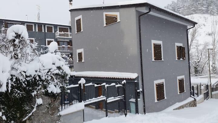"""""""Villa SimPatia"""" in Alfedena pochi km Roccaraso"""