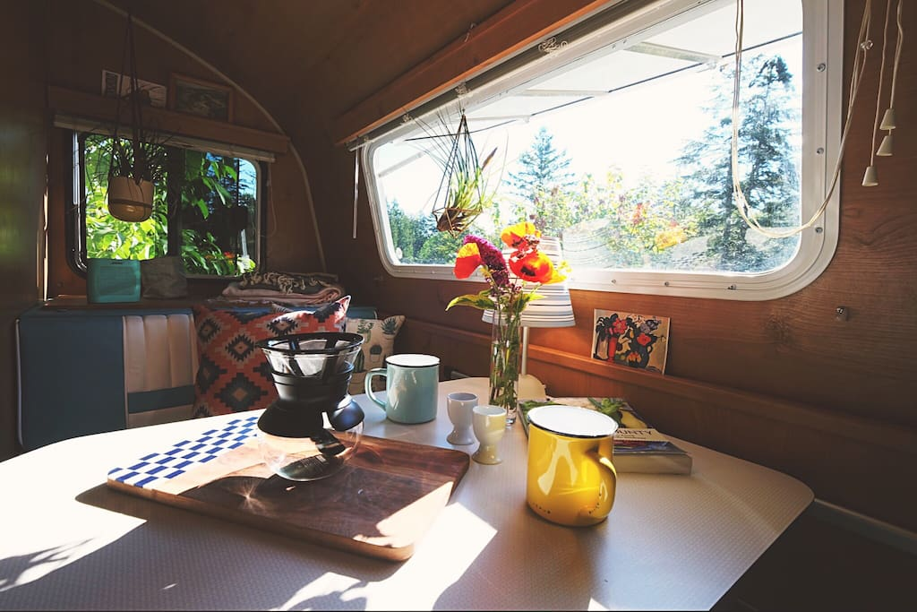 breakfast nook morning light