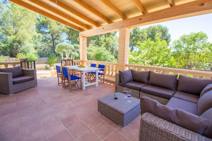 Beautiful Chalet with WiFi very close to the sea