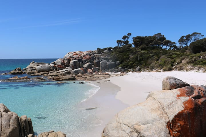 Sloop Cottage - Bay of Fires - East Coast Tasmania