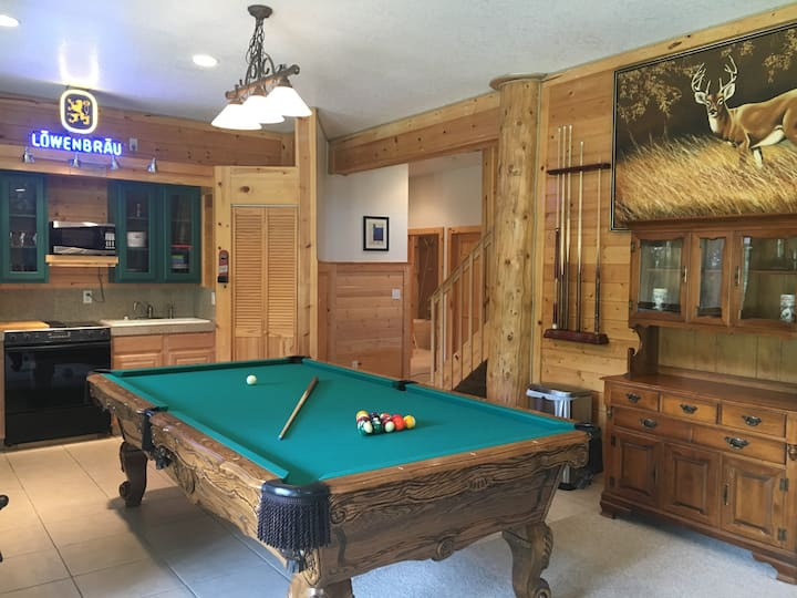 Unique Spacious Guest Suite in Riverside Log Home