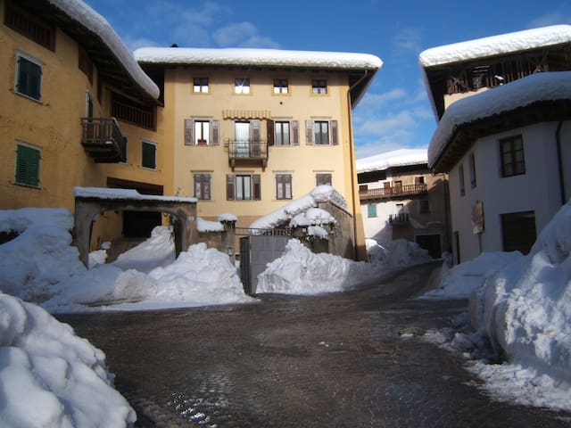 Self-catering in the Italian Alps - Sfruz, Val di Non