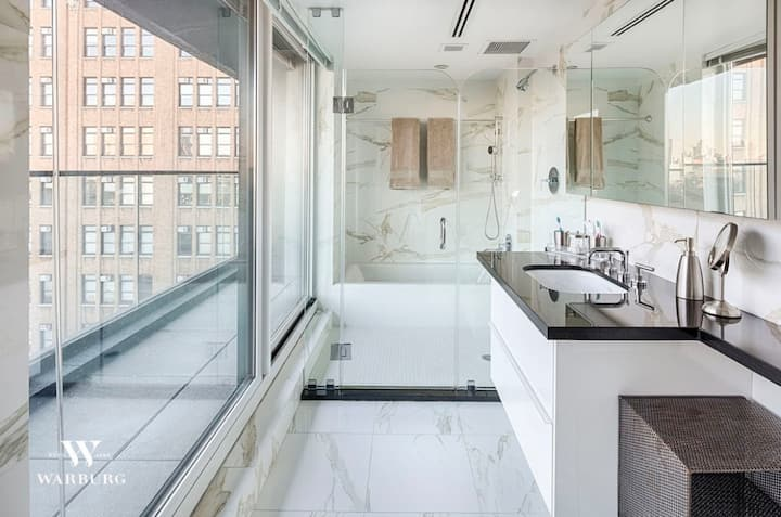 2BDRM Tribeca Duplex, Luxury Unit