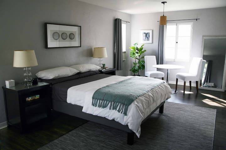 Guest Suite located in the Altadena Foothills.