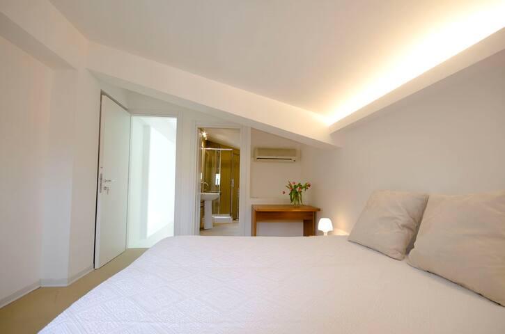 Anchise 38 Mansarda - Trapani - Bed & Breakfast