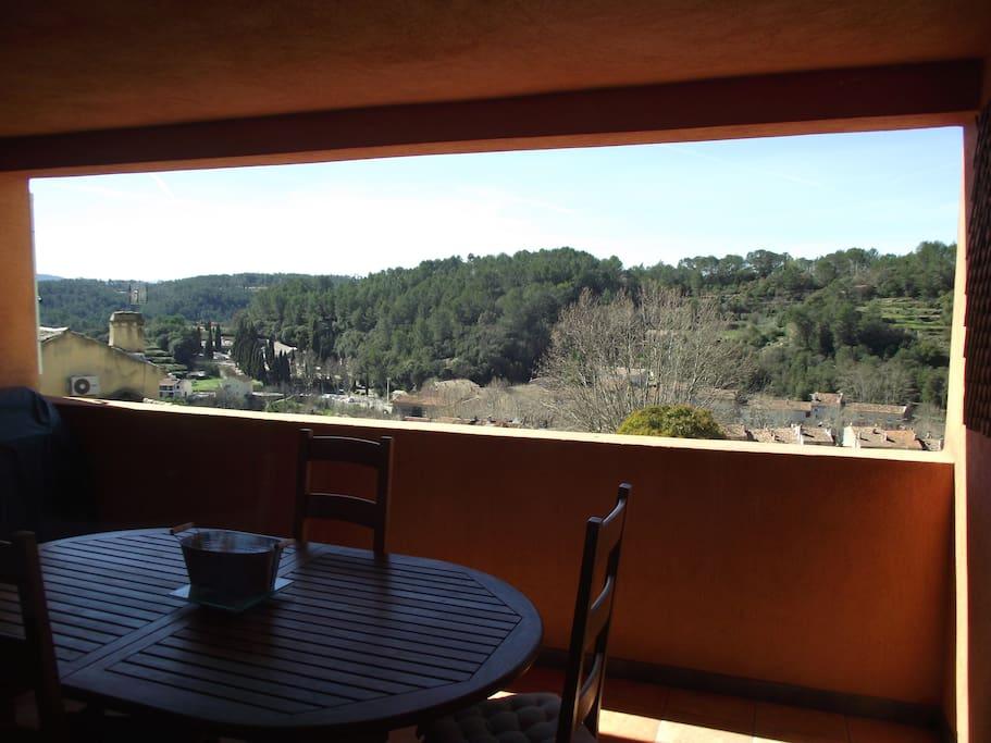 La terrasse avec la vue