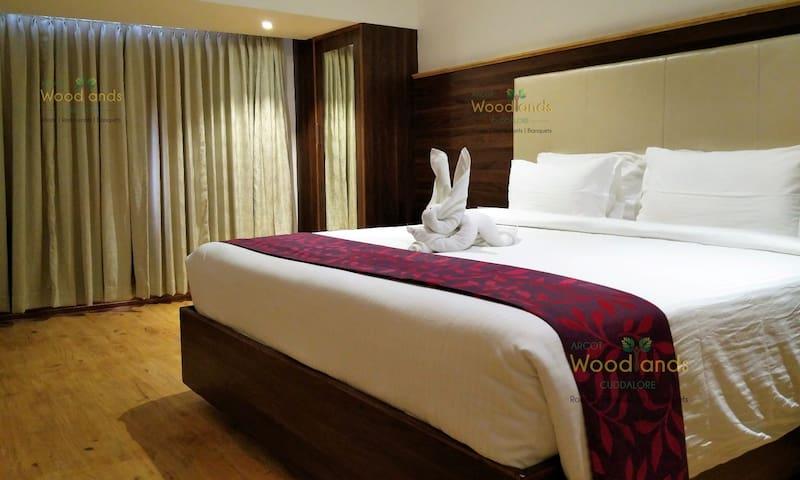 Arcot Woodlands Hotel, Cuddalore - Cuddalore - Bed & Breakfast