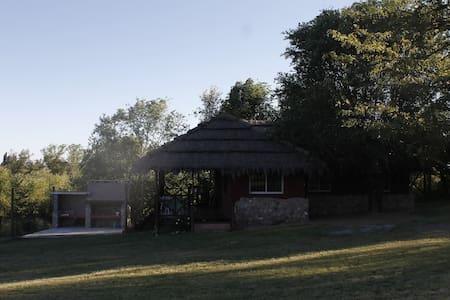 hermosa cabaña en villa giardino - Villa Giardino