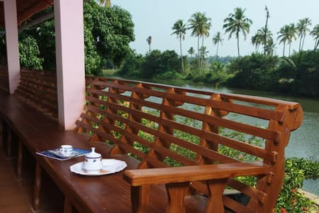 Backwater Breeze 2 Room - Kumarakom
