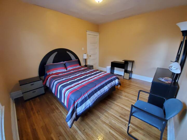 Private Room Close to Medical Center and Downtown