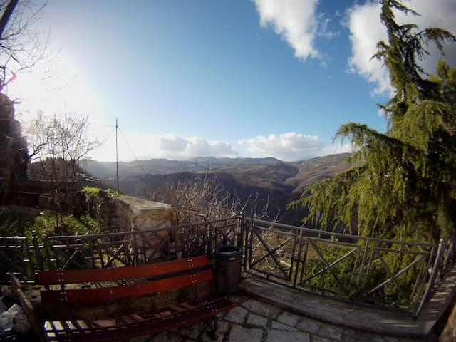 B&B in borgo con vista mozzafiato - Roccasicura - Andet