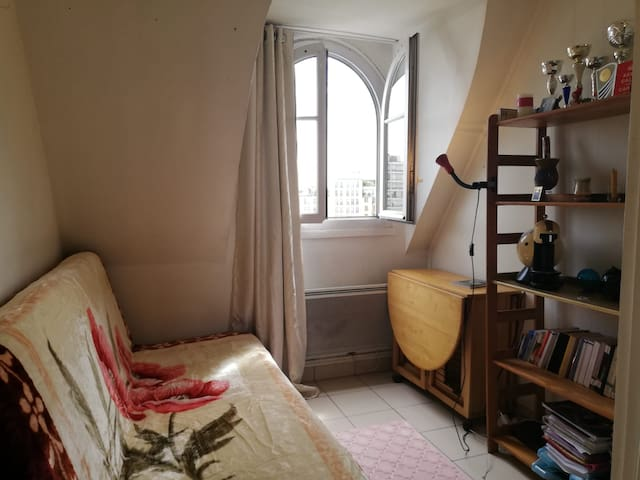 Cozy studio in the center of Paris