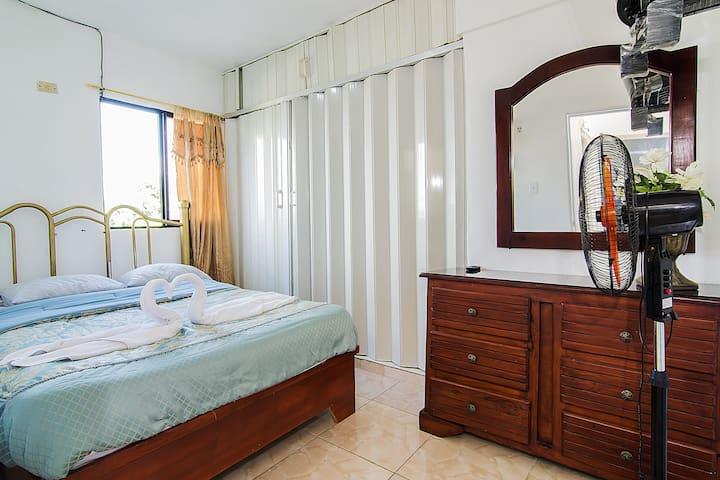 Nice, Secure & Affordable  2 Bedroom Apt - Santo Domingo Este - Departamento