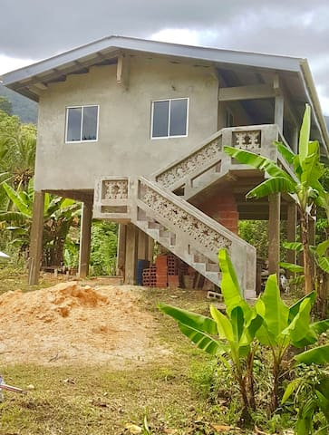 Mango Hill House (Newly built Beach Cottage)